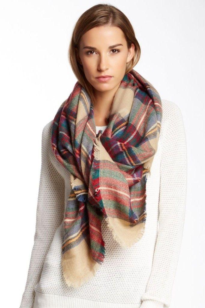 Conseils mode, comment porter l écharpe plaid à carreaux écossais, des  astuces pour bien nouer son écharpe plaid oversize pour homme ou femme  tendance. c655a9e1fee