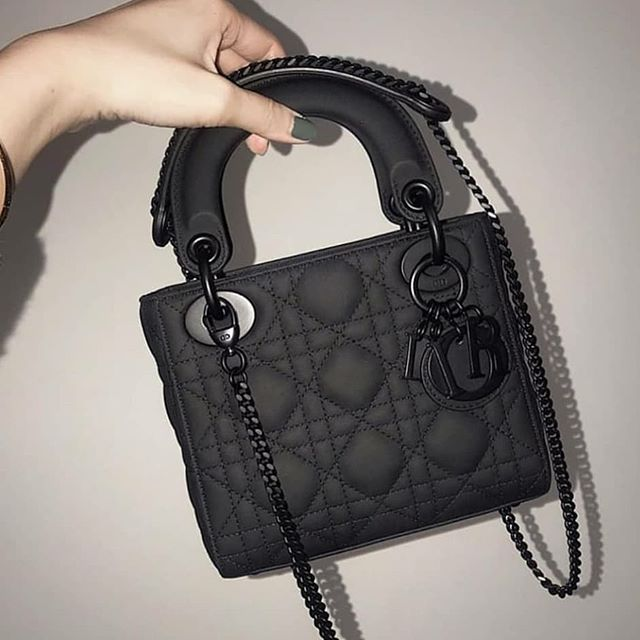 Sumkalar Cantalar On Instagram Qiymət 59 A Klas Bag Bags Canta Canta Womanbags Sumka Forever Zhenskijkoshel In 2020 Lady Dior Bag Coach Swagger Bag Dior Bag