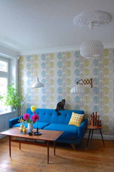 ......anders schaut es im Wohnzimmer nun aus. 4 Jahre Birken waren dann doch genug :) Das neue Sofa