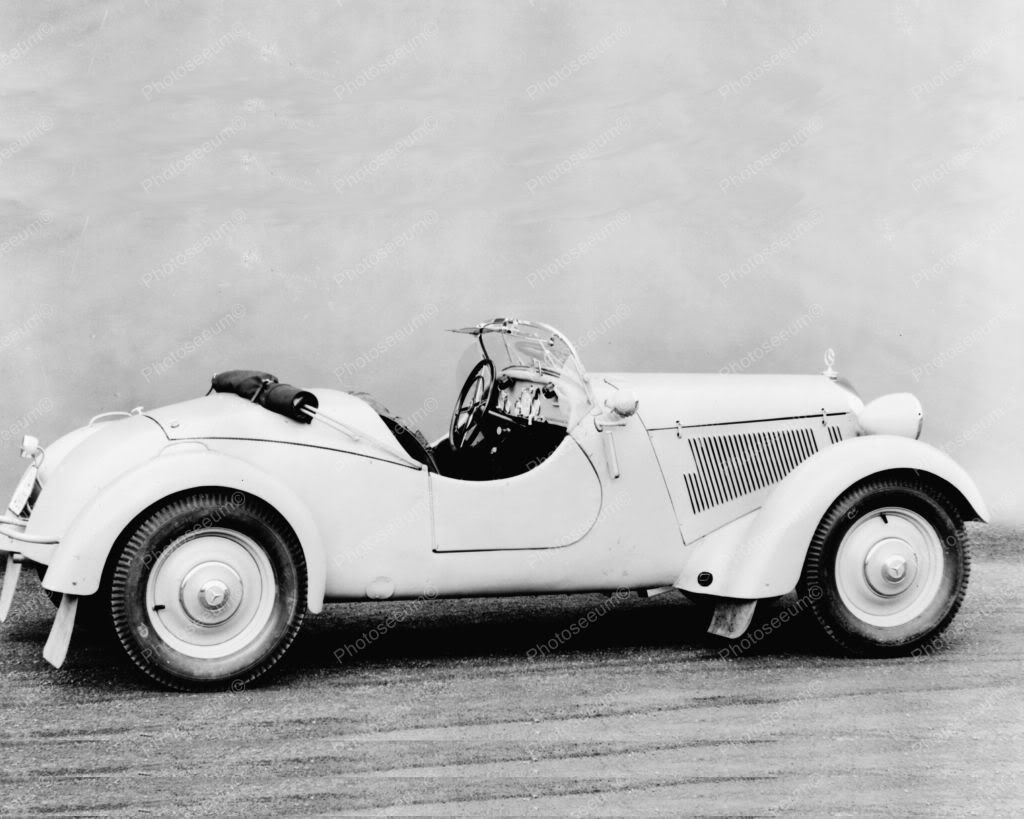Mercedes benz 230 sports car vintage 8x10 reprint of automobile photo