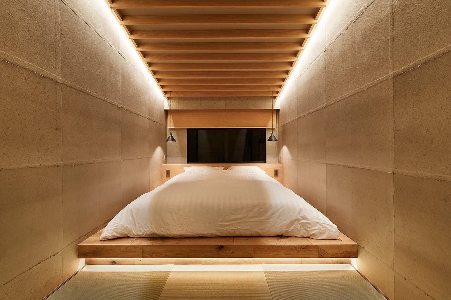 Blending Japanese Traditional And Modern Architecture This Kyoto Guest House Is A Quiet Stunner Guest House House Architecture Design