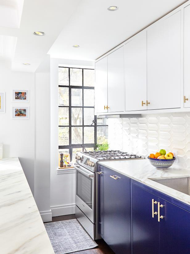 Blue + White, a Classic Color Combo #whitegalleykitchens
