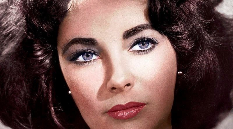 Elizabeth Taylor With Her Natural And Radiant Violet Eyes Elizabeth Taylor Eyes Elizabeth Taylor Double Eyelashes