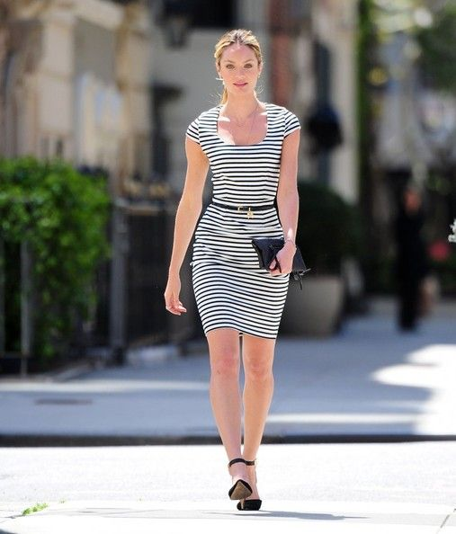 Candice Swanepoel - Candice Swanepoel Models With a Puppy in NYC
