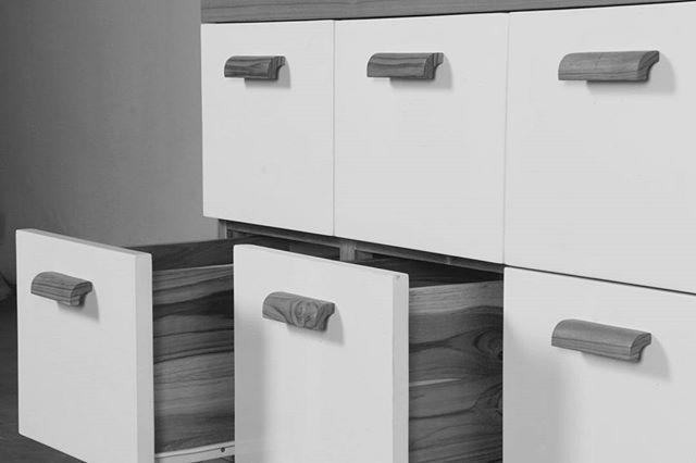 #wood #furniture #blackwhite  #blackwhitephotography  #bnw #bnwphotography #monocromeart #monocrome