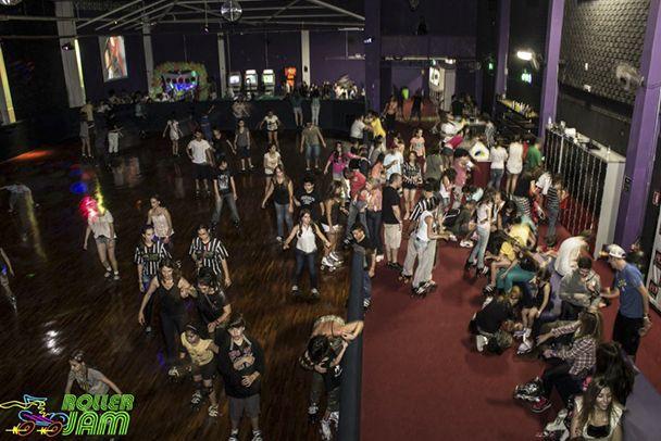 Festa à fantasia na Roller Jam! - http://metropolitanafm.uol.com.br/agenda/festa-fantasia-na-roller-jam