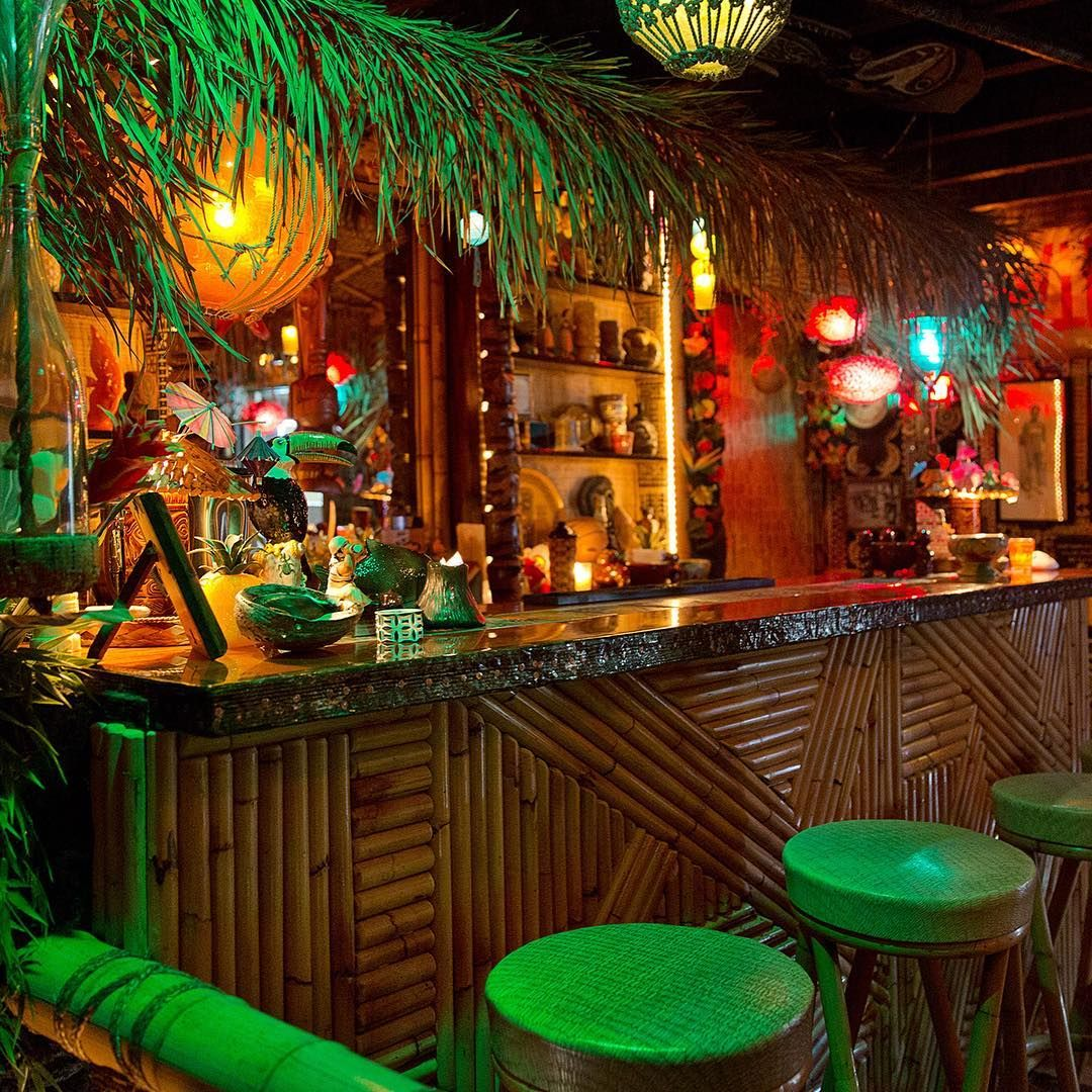 Design inspiration this is a friend 39 s home bar that for Tropical themed kitchen