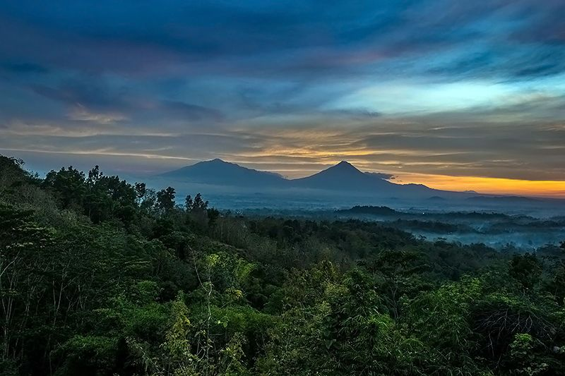 Blog Travel Photo Story Pemandangan Gunung Merapi Borobudur