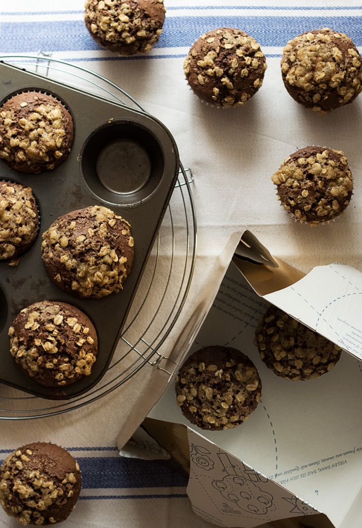 muffins with chocolate and oats. from tartamour.com