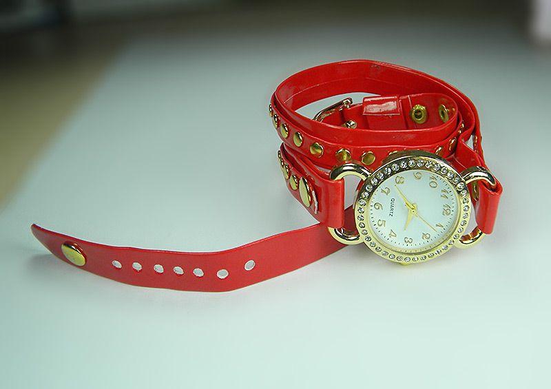 Bayan Kol Saati Bayan Kol Saati Duvar Saati Masa Saati Kol Saati Fiyatlari Ve Modelleri Koltuklar Butik Duvar Saati