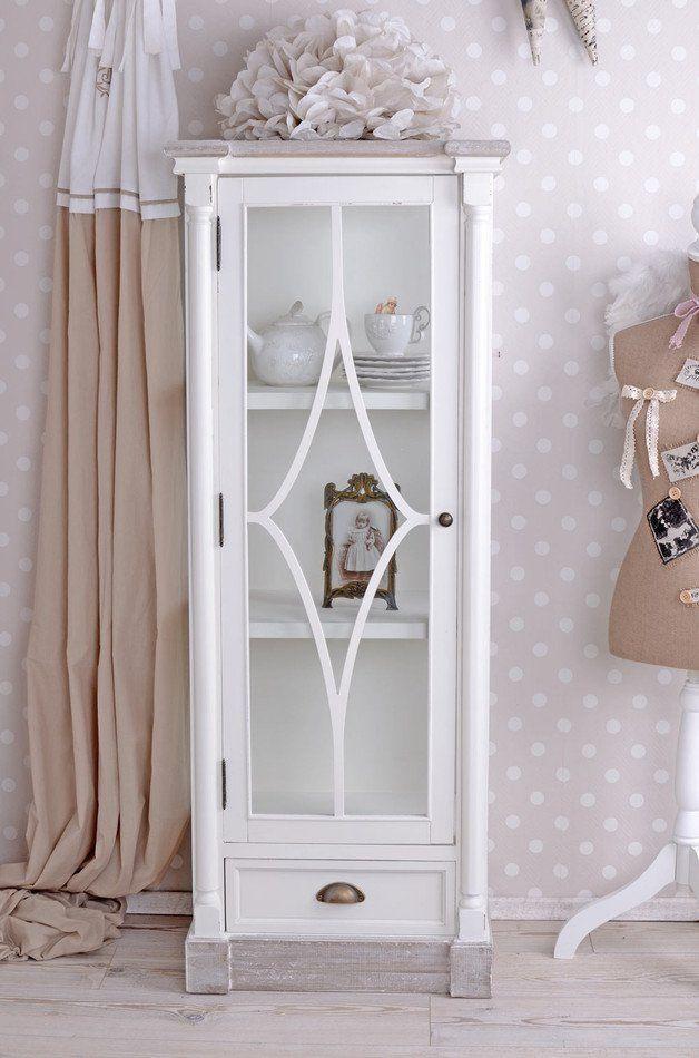 Weiße vintage shabby Vitrine im Landhausstil   white country style - wohnzimmer vitrine weis