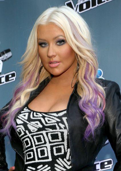 Christina Aguilera Gets Purple And Fushia Dipped Dyed Ends Christina Aguilera Hair Hair Styles Purple Hair