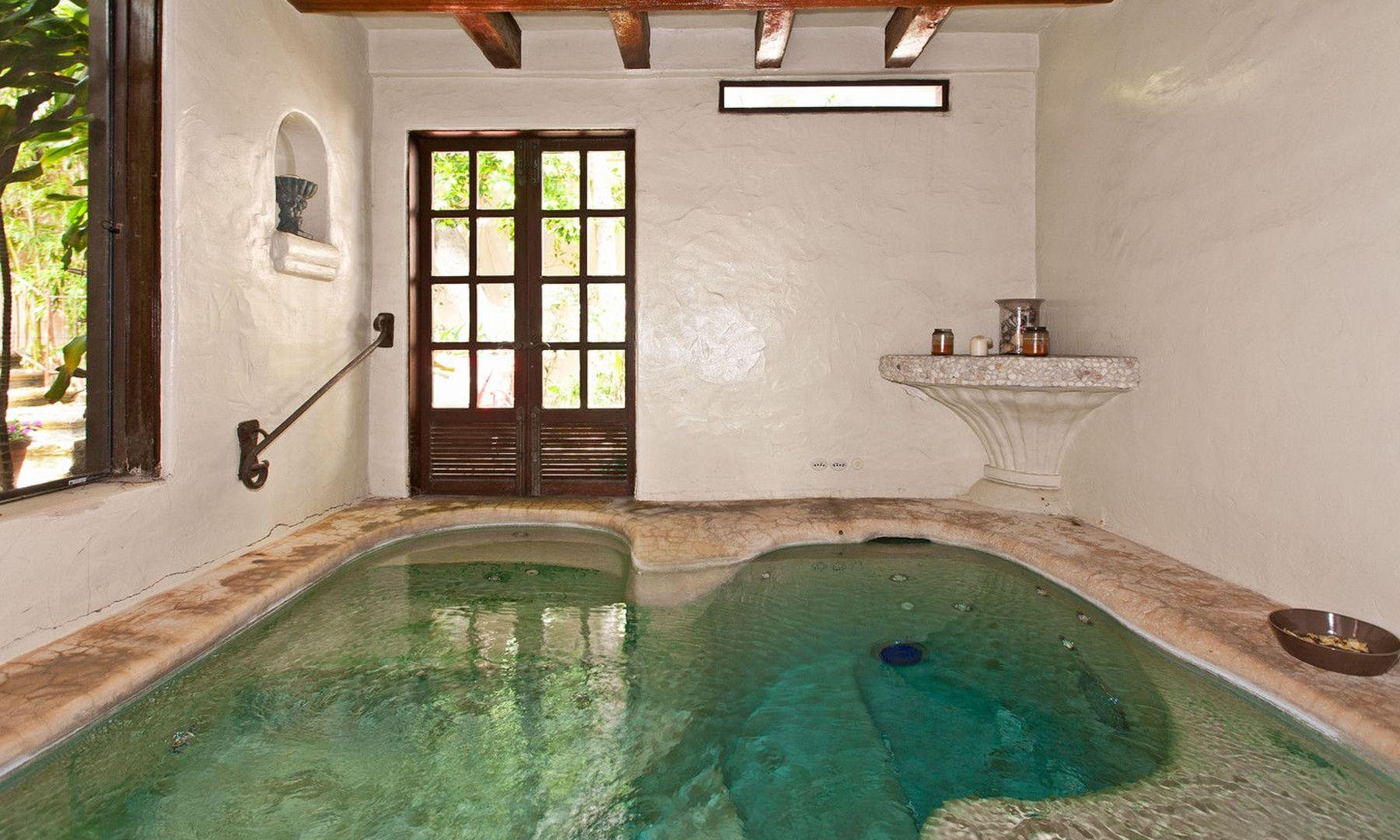 Mariah Carey S 30 Million Malibu Summer Rental Home Dujour Renting A House Malibu Homes House Rental