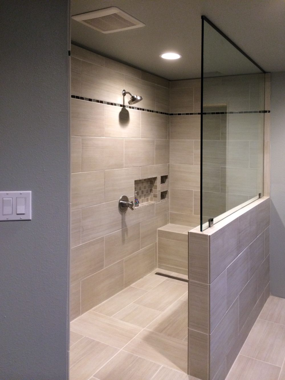 Glass wall panels bathroom - This Splash Panel Sits Atop A Pony Wall And Secures To The Ceiling