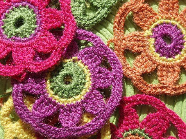 Granny Circles | Flickr - Photo Sharing! These would be so pretty as coasters for the summer. They're very flowery looking. Great idea!