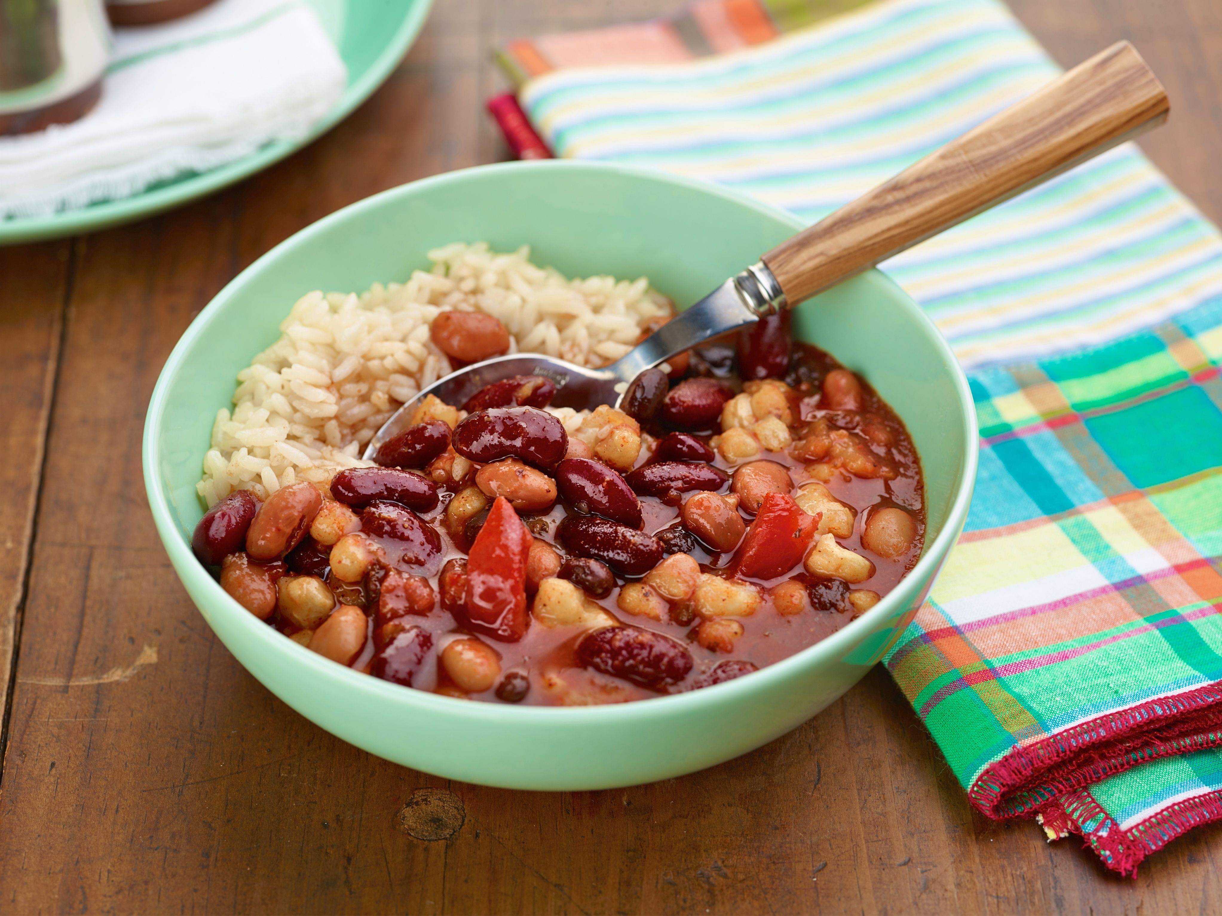 Spicy three bean pantry chili recipe chili recipes pantry and spicy spicy three bean pantry chili chili recipe food networkchili forumfinder Image collections
