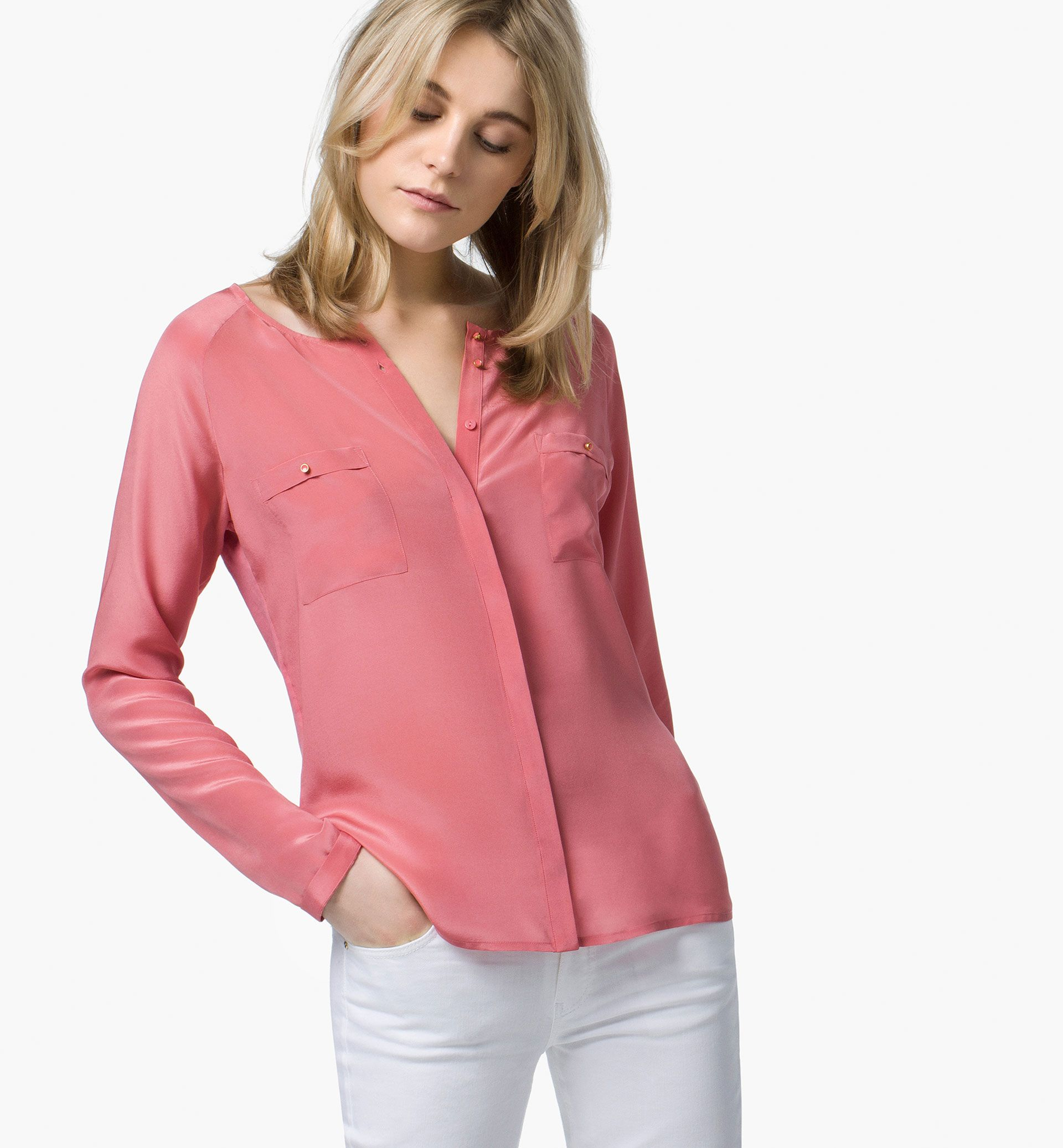 d0e5e3e6bb0aaa SILK FRONT T-SHIRT WITH POCKETS - T-shirts - WOMEN - Qatar - Massimo Dutti