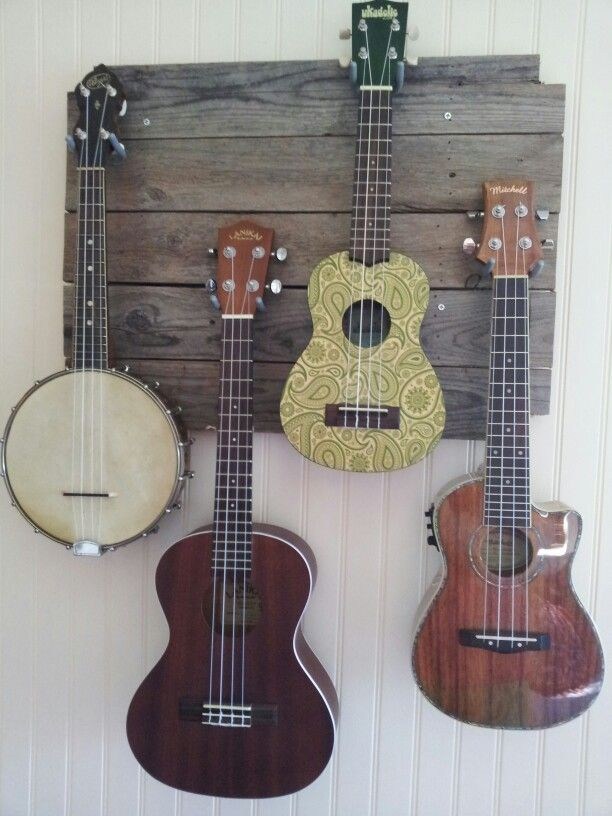 Ukulele Display Strung Out Jette Wohnzimmer