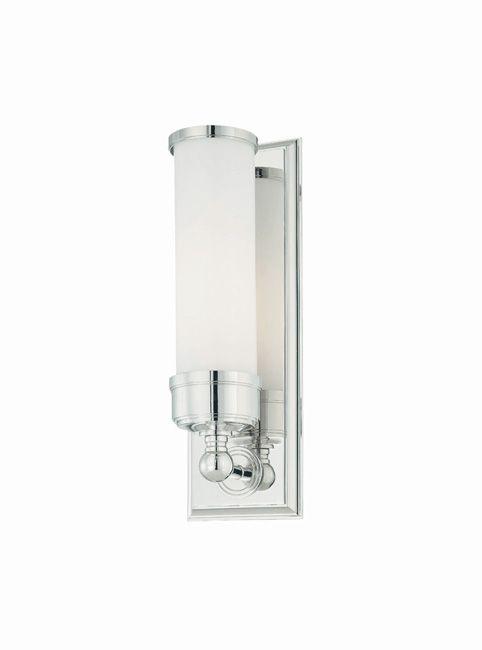 Tyylikäs seinävalaisin, joka sopii esimerkiksi kylpyhuoneen tai WC-tilan valaisemiseen. Tutustu myös valikoimamme muihin kosteantilan valaisimiin!