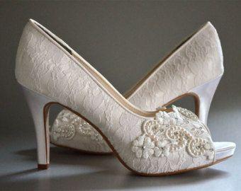 Womans Low Heel Wedding Shoes Vintage Por Pink2Blue