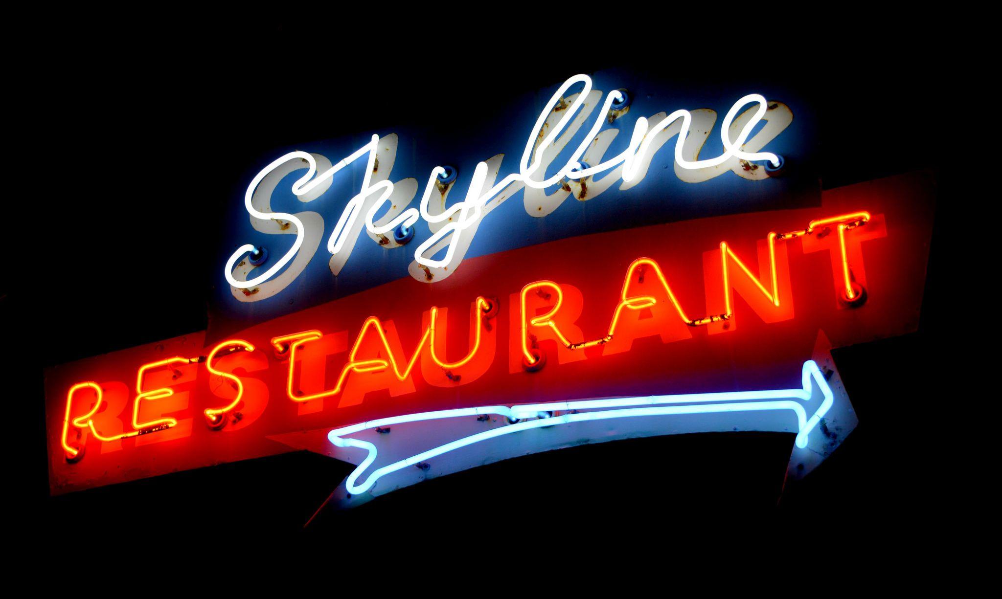 Skyline Restaurant Neon Sign Toronto Ontario Neon Signs Neon Vintage Restaurant