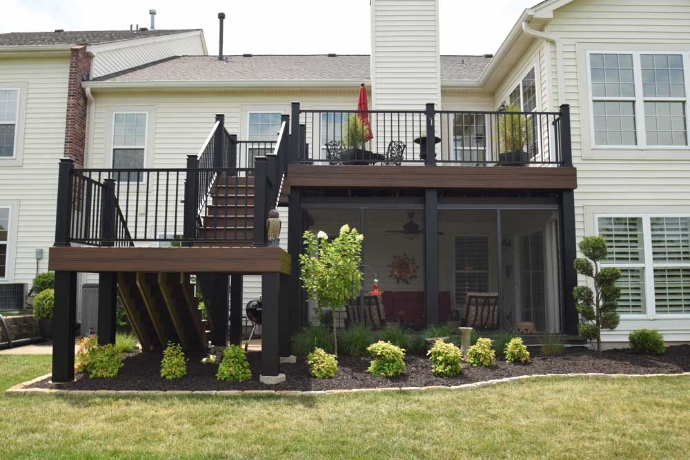 Trex Transcend Ed Rum Decking Signature Railing Screen Room Under Deck Black Column Wraps The Look Of Your Is All In Details