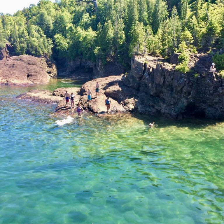 The Best 7 Day Upper Peninsula Michigan Itinerary Marquette Pictured Rocks With Kids More Michigan Road Trip Michigan Travel Upper Peninsula Michigan