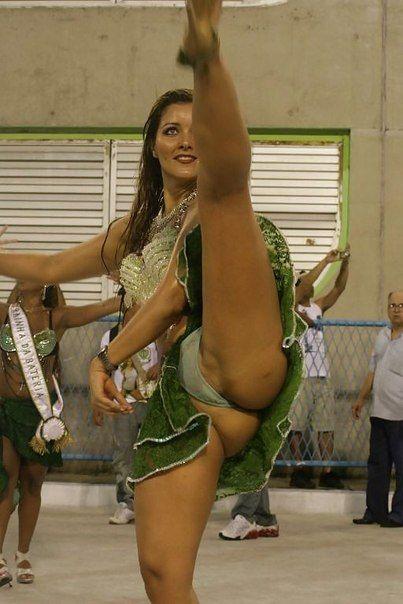Cheerleader thong upskirt
