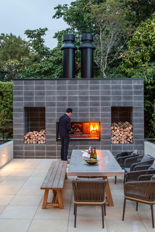Stone Cedar Columns Granite Outdoor Kitchen Omaha Ne Nrt Contracting Outdoor Kitchen Outdoor Outdoor Structures
