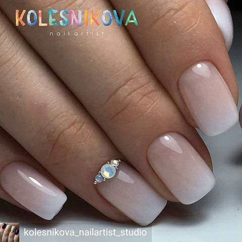 Airbrush Nails Jewel Sparkly Wedding Manicure Hairs French Manicures Nail Nude Beauty