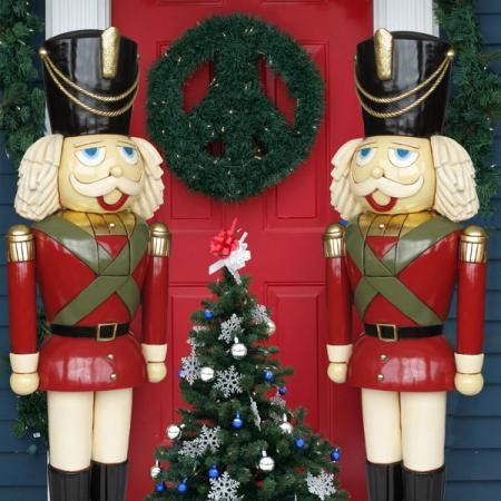 life size nutcrackers and christmas toy soldiers have been a staple of residential and commercial christmas decorating for generations these large festive - Large Toy Soldier Christmas Decoration