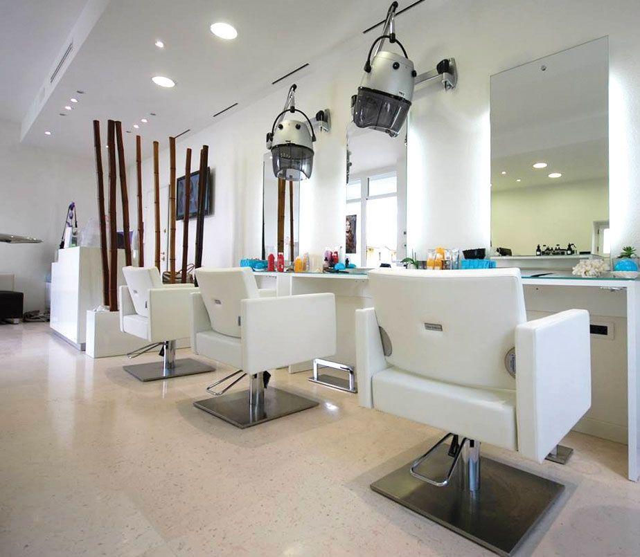Cristina cenada parrucchieri pieve di soligo italia for Arredamenti per saloni di parrucchieri