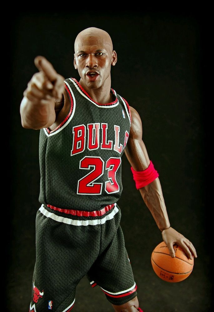 Enterbay Real Masterpiece 1 6 Michael Jordan  23 Road Edition (Black Jersey)   Enterbay 085172e8e