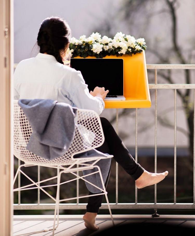 18 idées de BALKONZEPT at YULZIP.com | balcon, petit balcon, table bureau