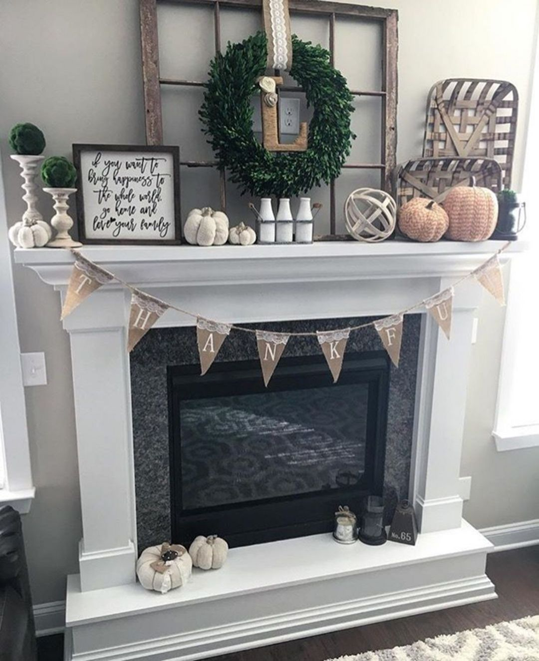 Goegeous farmhouse fireplace mantel decorations #fallmantledecor
