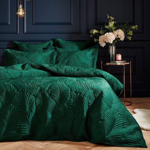 Roslyn Duvet Cover Set Canora Grey Colour Emerald Size Kingsize 2 Standard Pillowcases Bedroom Green Green Bedroom Decor Velvet Duvet