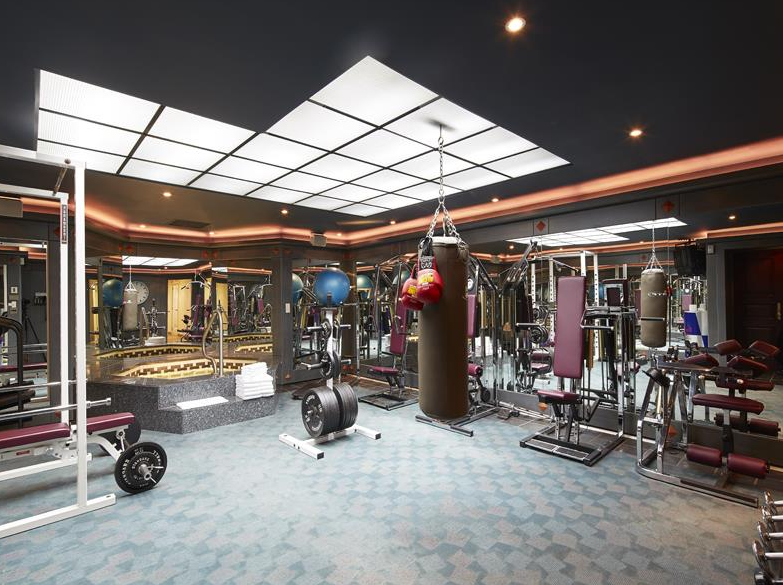 Homes Of The Rich The Web S 1 Luxury Real Estate Blog At Home Gym Workout Rooms Indoor Hot Tub
