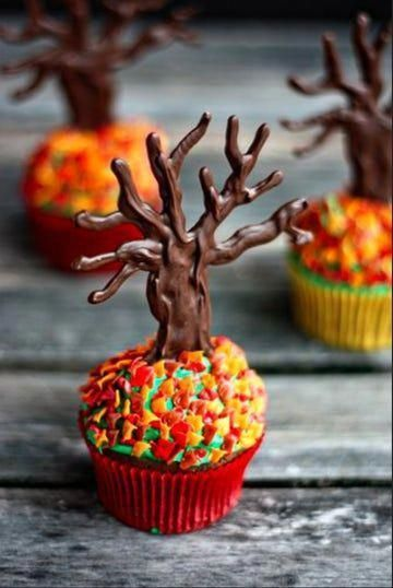 19 Ideas for Halloween Cupcakes That Make the Sweet Treats Deliciously Spooky,  19 Ideas for Halloween Cupcakes That Make the Sweet Treats Deliciously Spooky,