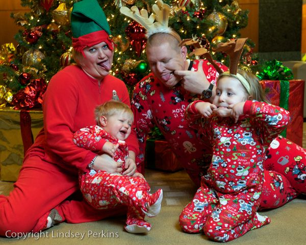 Christmas Family Portrait Family Christmas Pictures Family