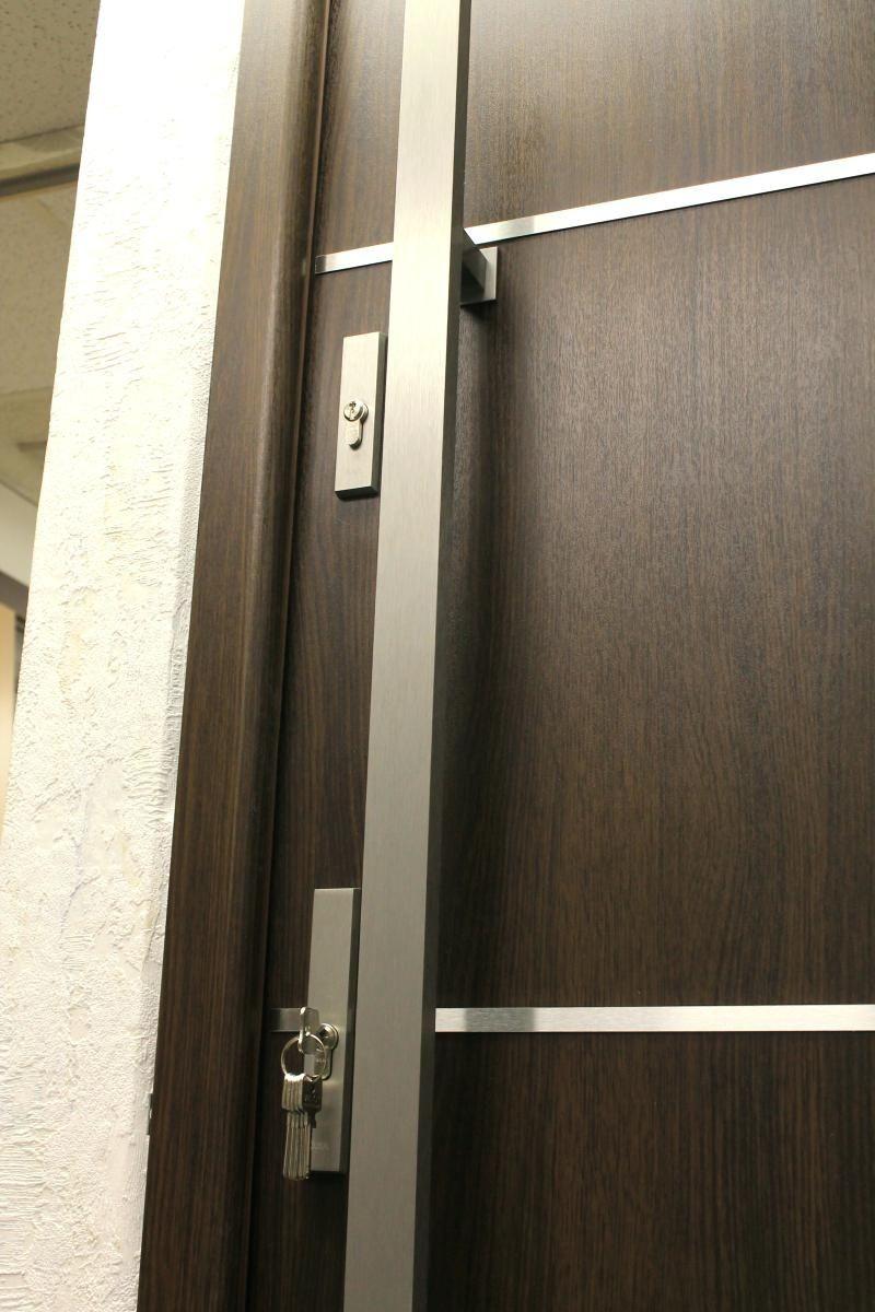 Modern Exterior Door Pulls Perhaps You Are Looking For A Classy Exterior Door For The En Modern Exterior Doors Contemporary Exterior Doors Front Door Handles