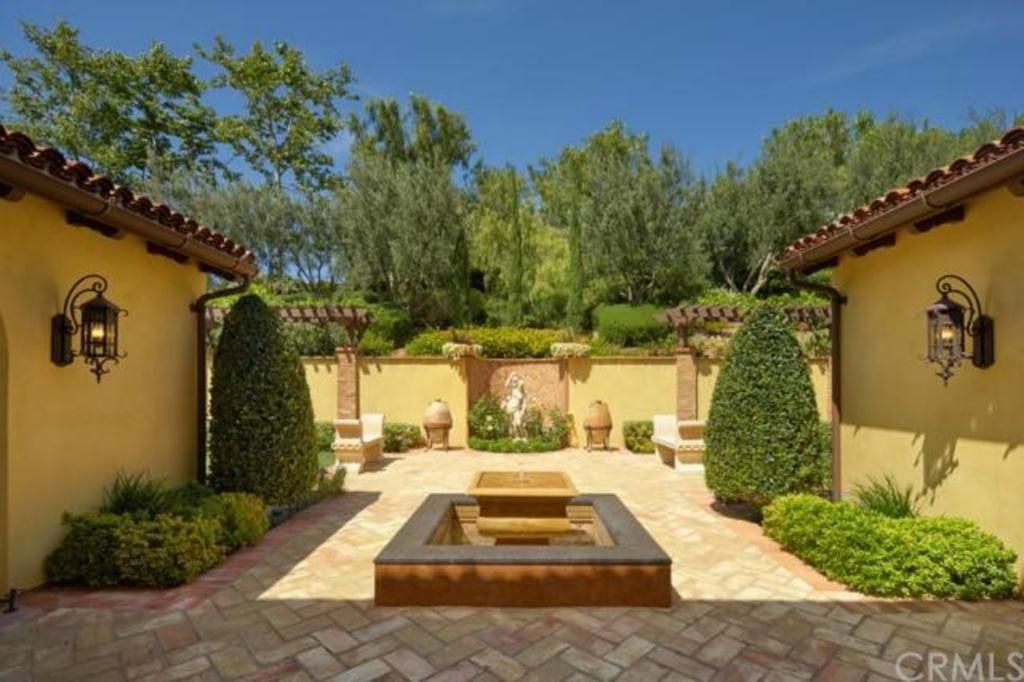 Moorish splendor shady canyon irvine cal spanish for Moorish homes