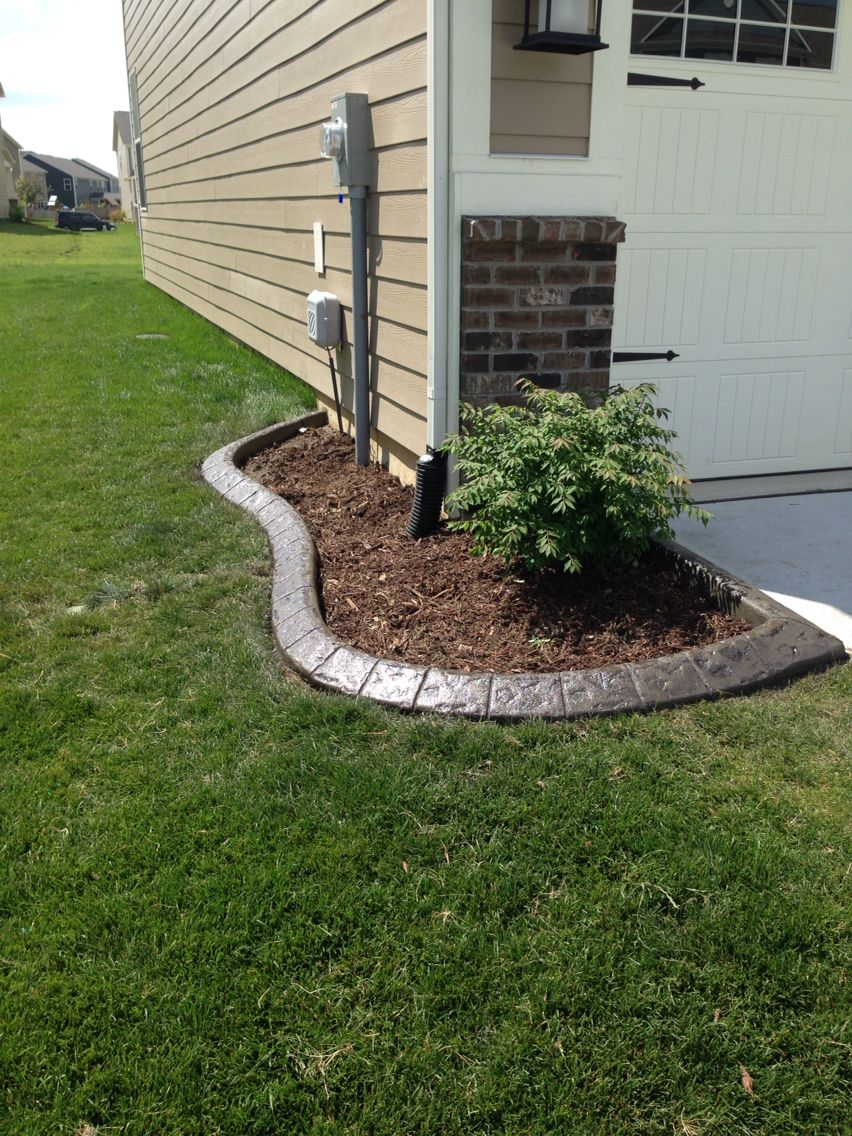 Color and stamped concrete edging | Concrete Flower bed border ...