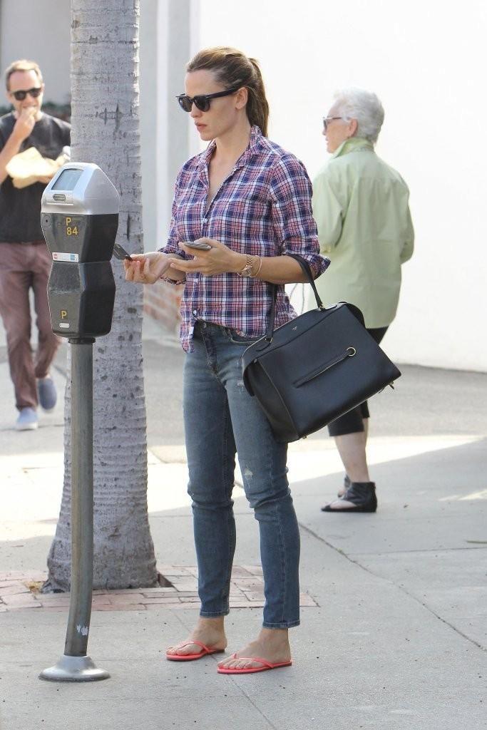 ec9a781bcdf3 Jennifer Garner wearing Celine Small Ring Bag in Black Bullhide Calfskin