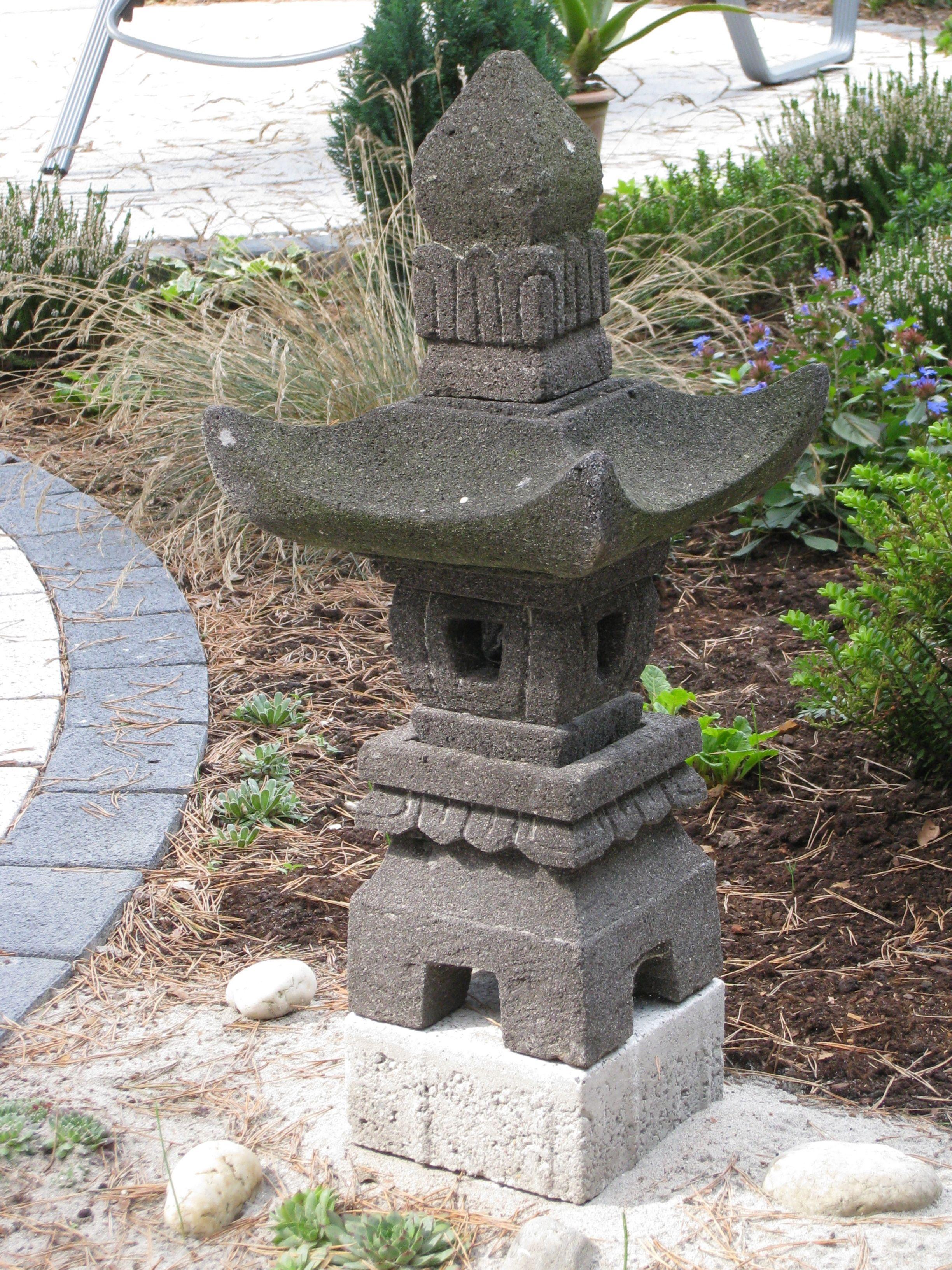 Eine Japanische Lampe Japanische Lampen Garten Lampe