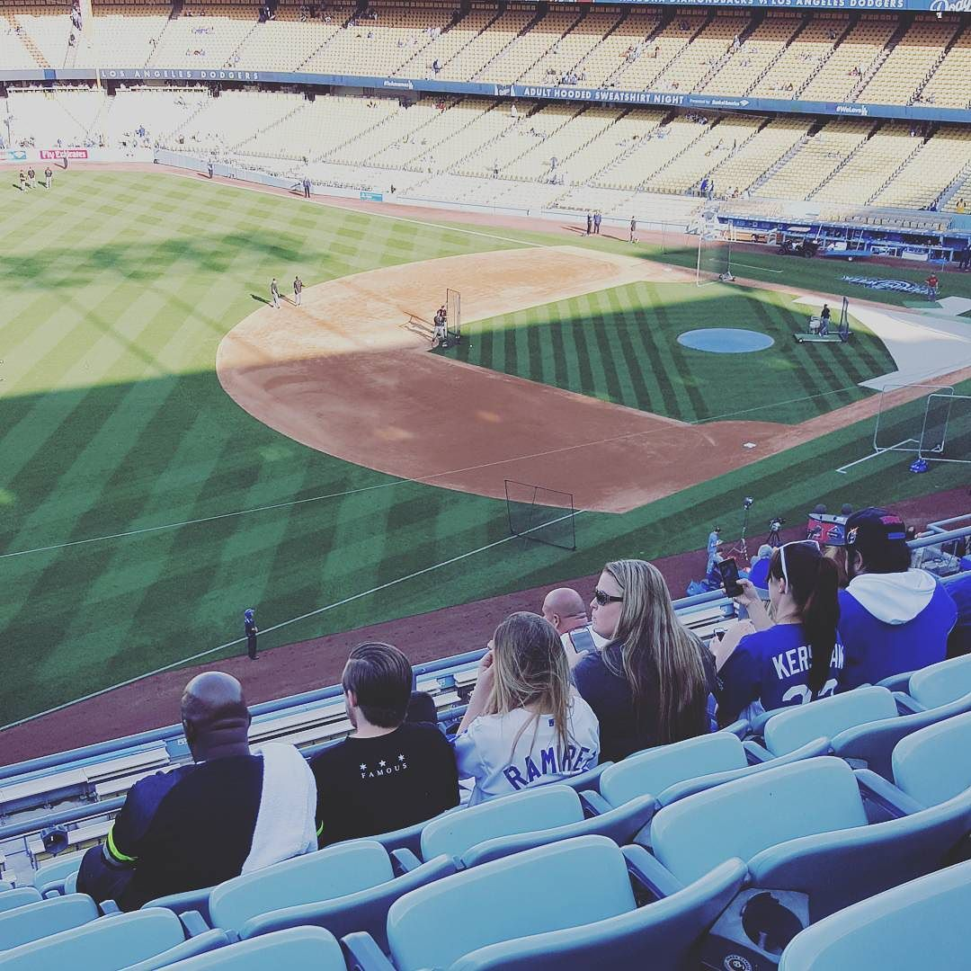 THINK BLUE: Here early.... good to be home :) #instagram #instagood #igphoto #igers #igdaily #ignation #Dodgers #DodgerNation by buddytah25