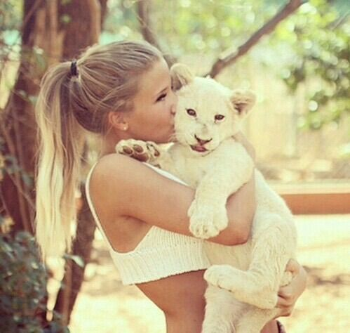 Image via We Heart It #animals #blonde #girl