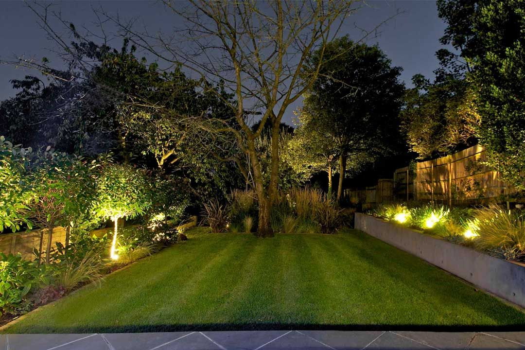 An Introduction To Garden Lighting Garden Lighting Design London 4 Hfnjbie Garden Lighting Design Garden Design Outside Garden Lights