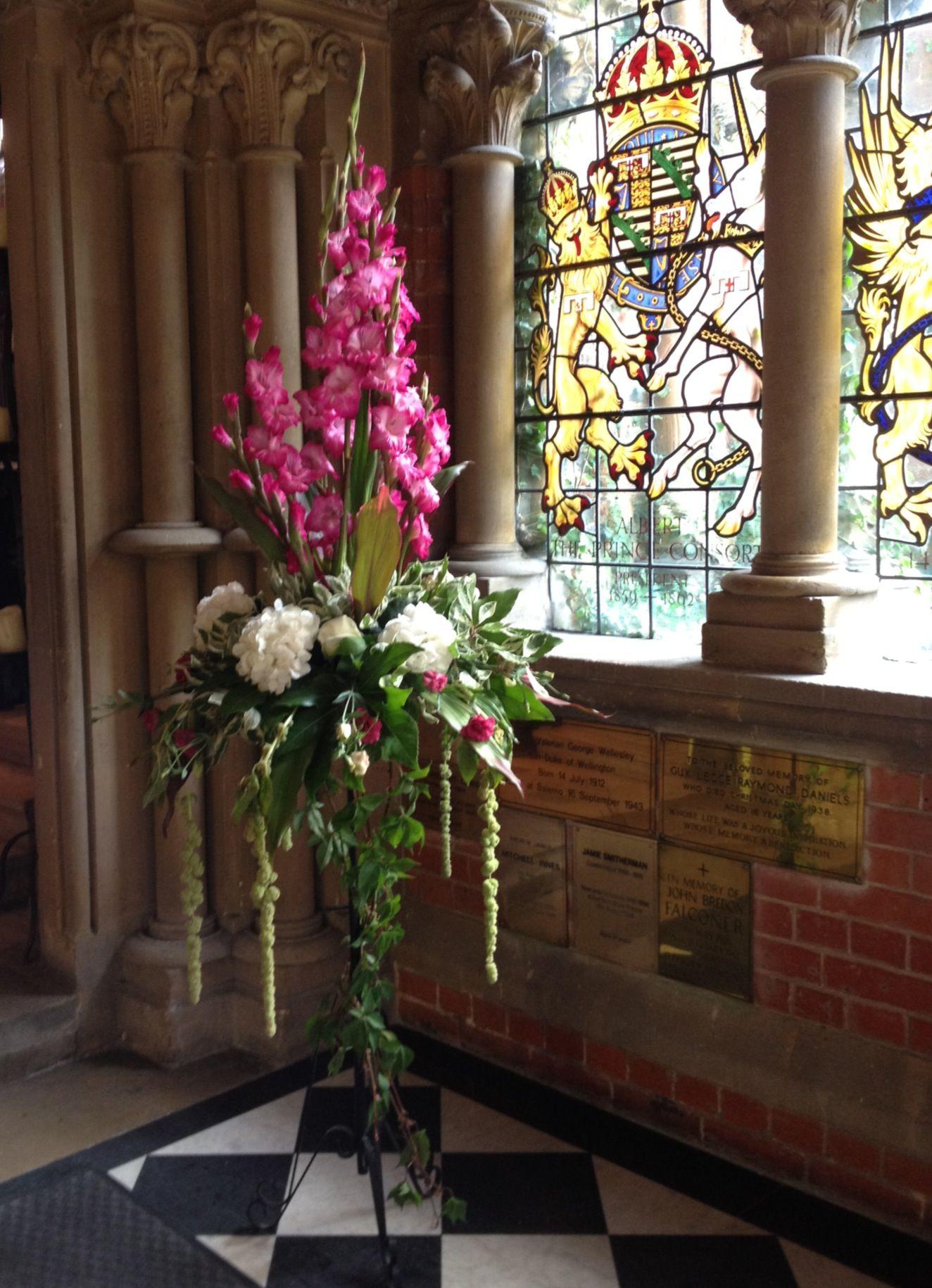 Summer gladioli pedestal Large flower arrangements