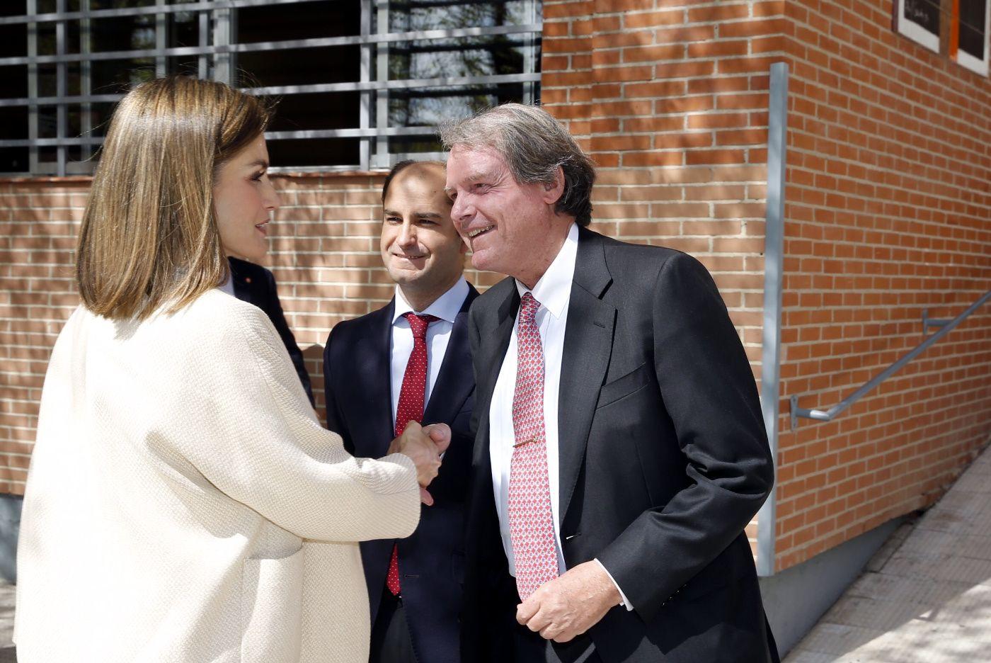 Doña Letizia recibe el saludo de presidente de la Fundación Princesa de Girona - FPdGi Sede central de la Fundación Secretariado Gitano. Madrid, 26.04.2016