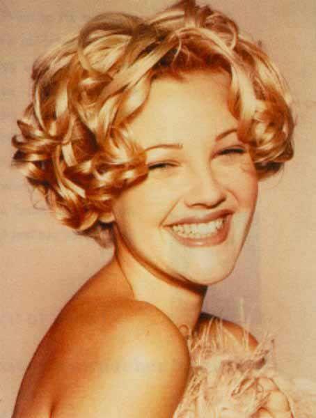 Drew Barrymore Sandy The Social Butterfly Short Curly Hair Curly Hair Styles Drew Barrymore Hair